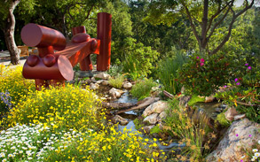 Contemporary Brentwood, Los Angeles Landscape Design & Installation by Gregory Davs & Associates